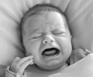 Ne laissez pas pleurer vos bébés ! Les pleurs du bébé sont un signal de détresse