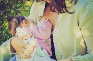 Quand un législateur suggère d'agresser sexuellement les mères qui allaitent