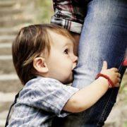 Que faire face à un enfant qui est agressif, tape ou mord ?