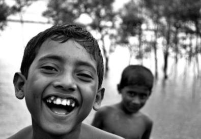 Sourire à son enfant fait jaillir en lui le bonheur d'exister