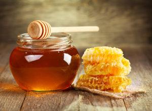 Se soigner naturellement grâce aux bienfaits du miel