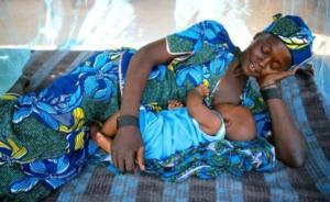 Pourquoi les bébés africains ne pleurent pas – une perspective Africaine