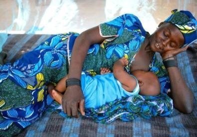 Pourquoi les bébés africains ne pleurent pas - une perspective Africaine