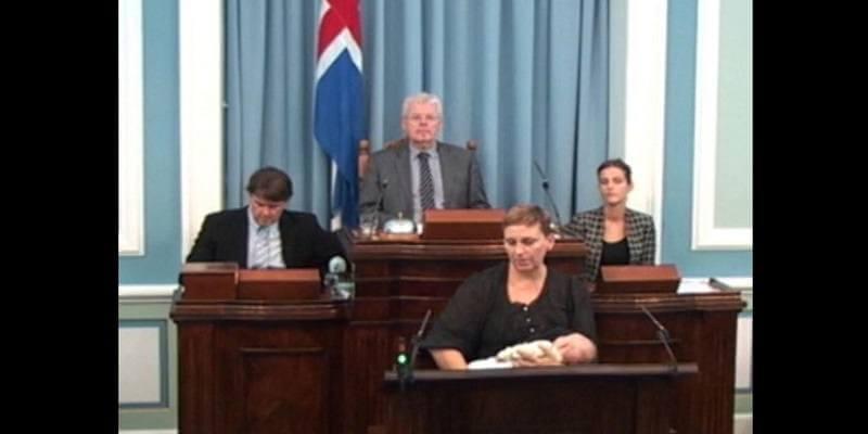 une députée allaite son bébé en Islande