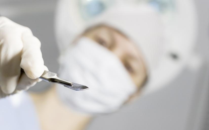 Épisiotomie : Une coupure propre vaut mieux qu'une déchirure, vraiment ?