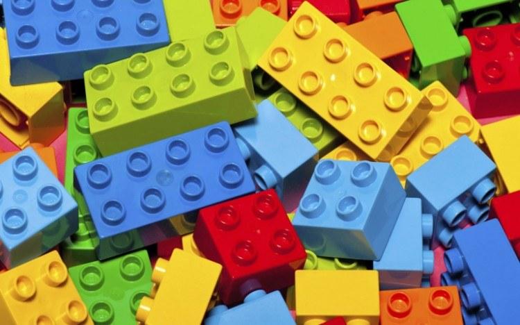 Pourquoi je déteste les lego [et pourquoi il faut arrêter d'en offrir!]
