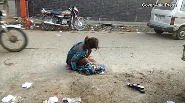 Inde : une adolescente forcée d'accoucher dans la rue car l'hôpital la refuse