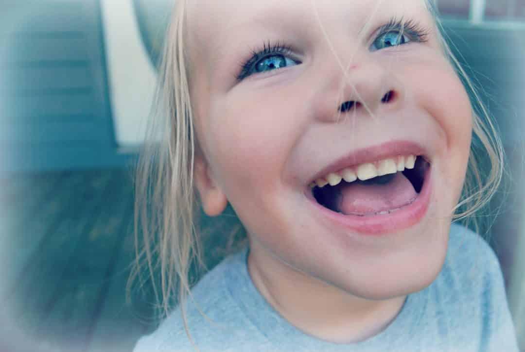 Pourquoi mon enfant rigole quand je me fâche ?