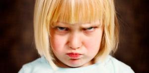 13 phrases puissantes pour calmer un enfant en colère