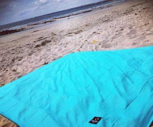 On a testé les draps de plage XXL anti-vent de Ôbaba Paris